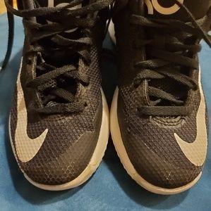 Boys nike shoes size12c